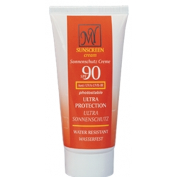 ضد آفتاب 90 مای